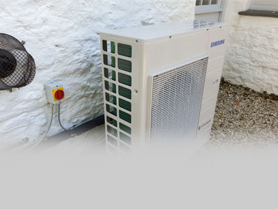 Smart hybrid heat pumps